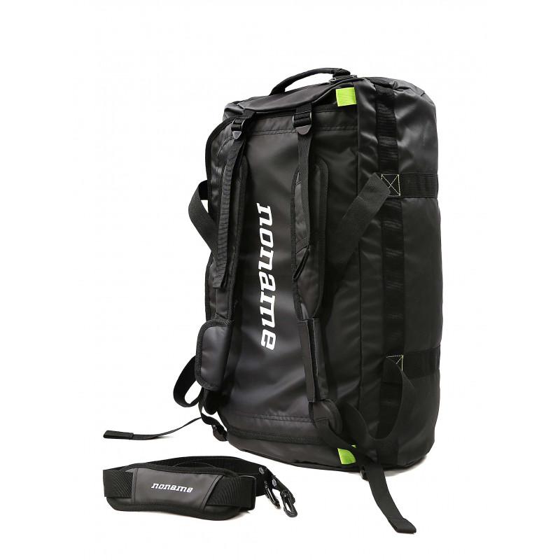 Monipuolinen duffel bag on valmistettu vettä hylkivästä ja kestävästä TPU  laminoidusta materiaalista. 636c851481